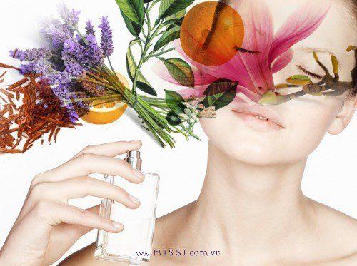 Tại sao dùng nước hoa giống nhau mà mùi hương và độ lưu hương lại khác nhau?