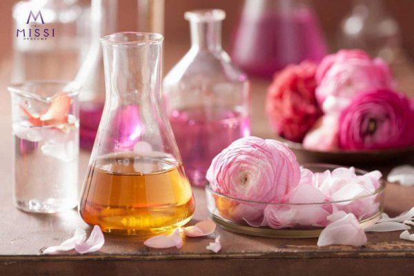 Hiện tượng biến đổi mùi, đổi màu trong nước hoa là như thế nào